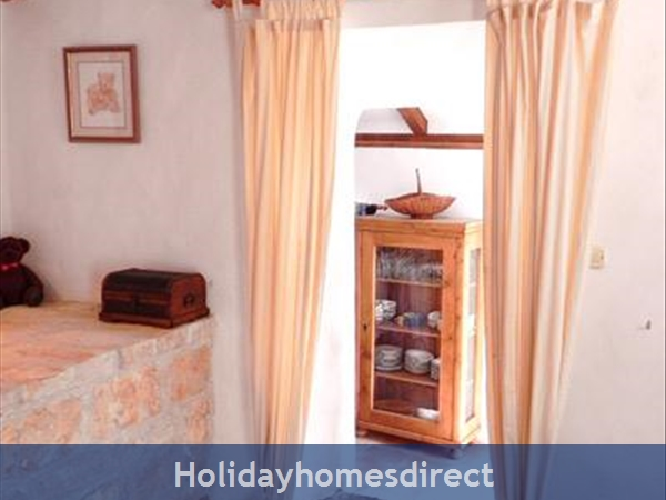 4 Bedroom Villa In Cavtat Near Dubrovnik, Sleeps 8 (du002): Image 6