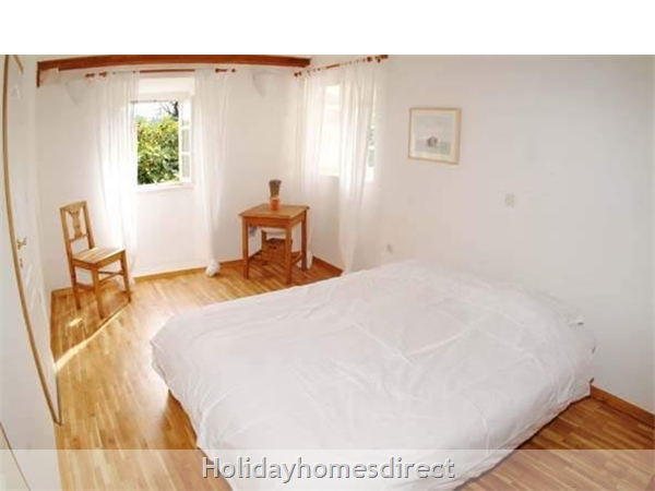 4 Bedroom Villa In Cavtat Near Dubrovnik, Sleeps 8 (du002): Image 7