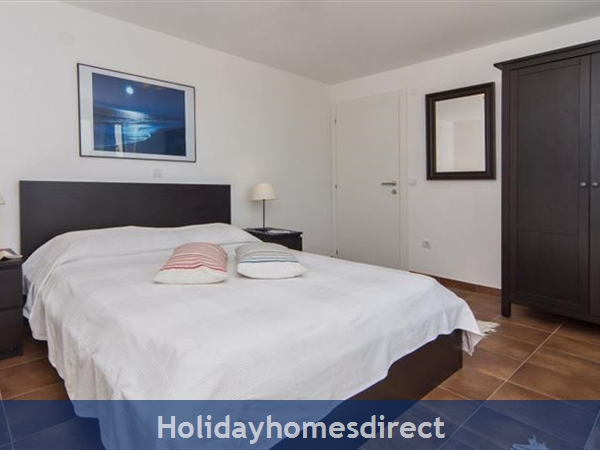 Four Bedroom Villa In Cavtat Near Dubrovnik With Sea Views  (du123): Image 4