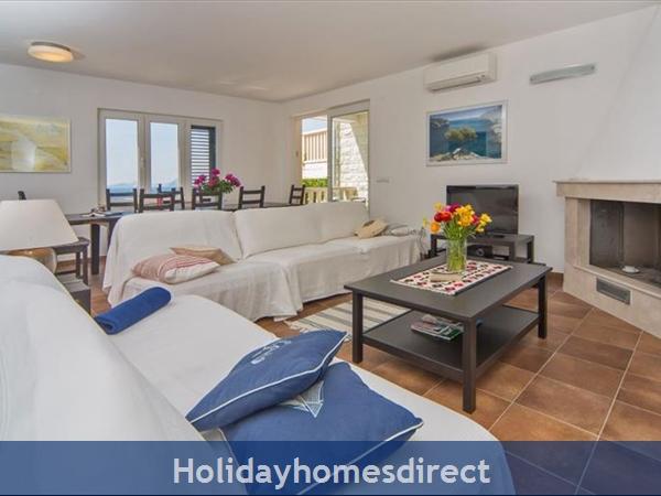 Four Bedroom Villa In Cavtat Near Dubrovnik With Sea Views  (du123): Image 6