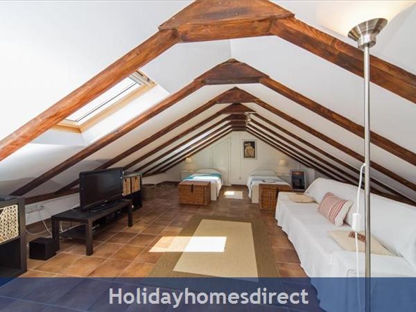 Four Bedroom Villa In Cavtat Near Dubrovnik With Sea Views  (du123): Image 8