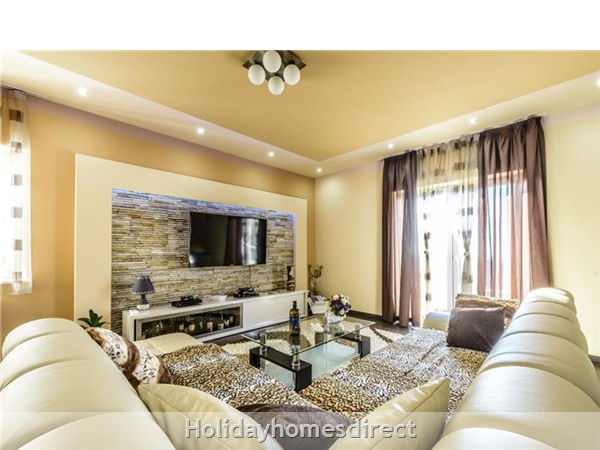 6 Bedroom Villa With Pool In Konavle Valley, Near Dubrovnik - Sleeps 12 (du130): Image 5