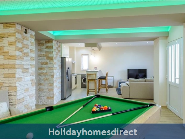 6 Bedroom Villa With Pool In Konavle Valley, Near Dubrovnik - Sleeps 12 (du130): Image 8
