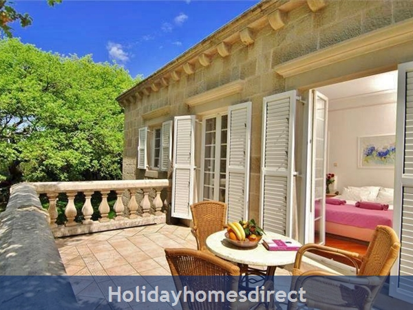 Spacious 4 Bedroom Villa With Heated Pool In Cilipi, Sleeps 8 (du150): Image 2