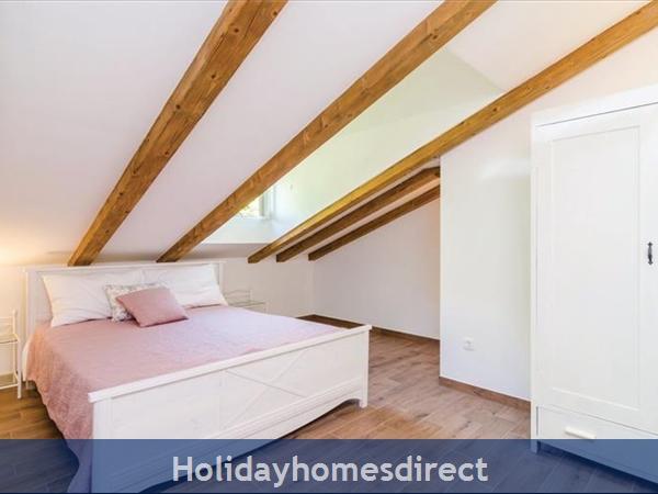3 Bedroom Villa With Pool In Seaside Brsecine Near Dubrovnik, Sleeps 6 ( Du167): Image 4