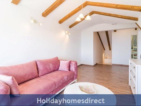 3 Bedroom Villa With Pool In Seaside Brsecine Near Dubrovnik, Sleeps 6 ( Du167): Image 9