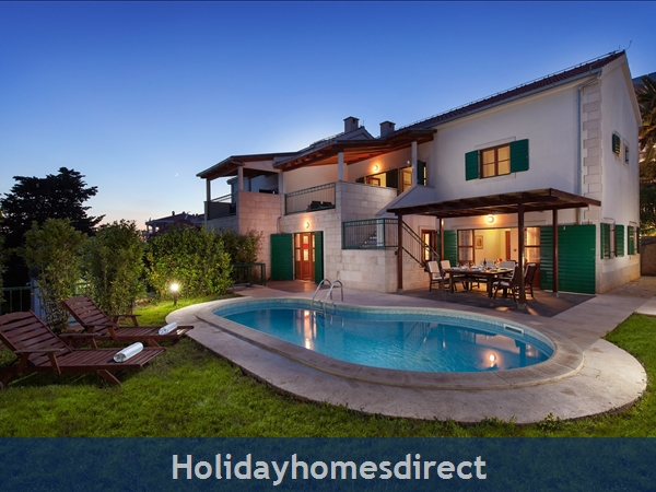 Villa Dane, Hvar – 4 bedroom villa with pool