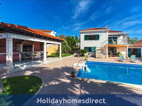 Villa Rasotica, Sumartin, Brac Island – 3 Bedroom Villa With Pool: Image 5