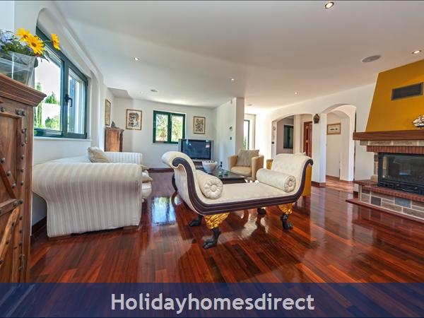 Villa Rasotica, Sumartin, Brac Island – 3 Bedroom Villa With Pool: Image 9