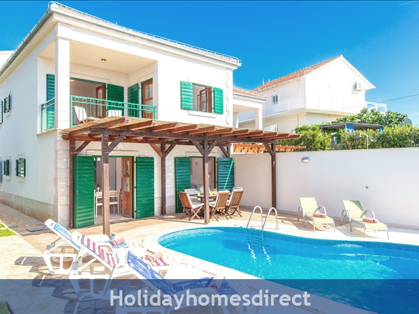 Villa Cvita, Hvar – 4 bedroom villa with pool