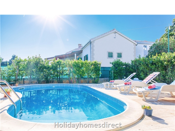 Villa Cvita, Hvar – 4 Bedroom Villa With Pool: Image 2