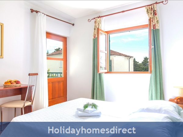 Villa Mare, Hvar – 4 Bedroom Villa With Poo: Image 11