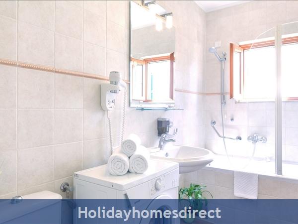 Villa Mare, Hvar – 4 Bedroom Villa With Poo: Image 14