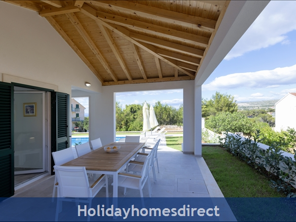 Villa Makarac, Milna, Brac Island – 4 Bedroom Villa With Pool: Image 6