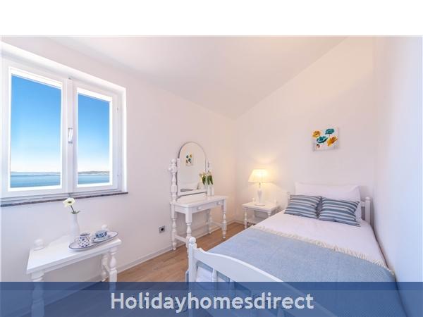 Villa Skalinada, Baska Voda – 5 Bedroom Villa With Pool: Image 9