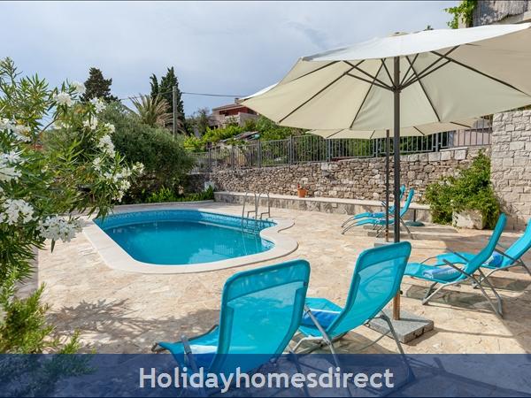 Villa Mir Vami, Sumartin, Brac Island – 4 Bedroom Villa With Pool: Image 3