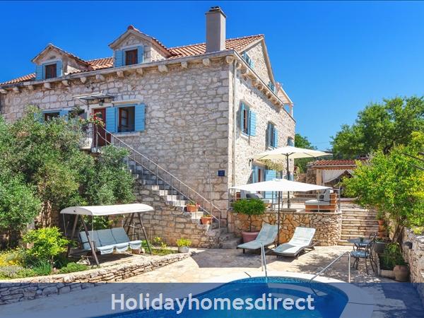 Villa Vicina, Milna, Brac Island – 3 Bedroom Villa With Pool: Image 3
