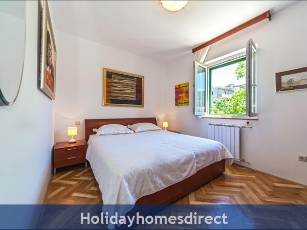 Villa Živana, Dugi Rat – 2 Bedroom Villa With Pool: Image 9