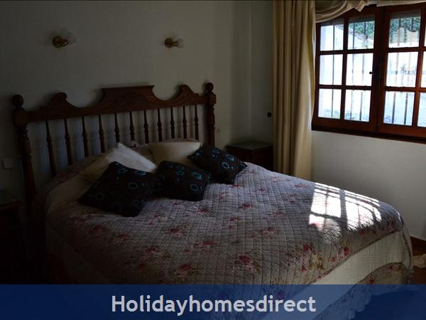 Villa El Paraiso: Main Villa - Bed 4 (Ensuite)
