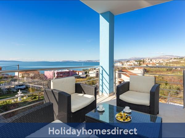 Villa Mermaid, Podstrana – 4 Bedroom Villa With Pool – Near Split: Image 8