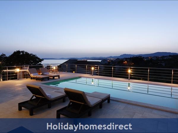 Villa Mermaid, Podstrana – 4 Bedroom Villa With Pool – Near Split: Image 2
