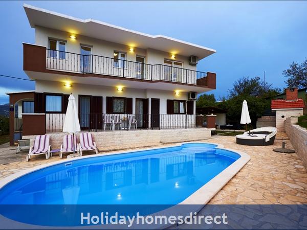 Villa Ivana, Split – 4 Bedroom Villa With Pool: Image 3