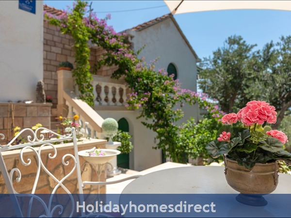 Holiday House Pupa, Sumartin, Brac Island – 3 Bedroom House: Image 8