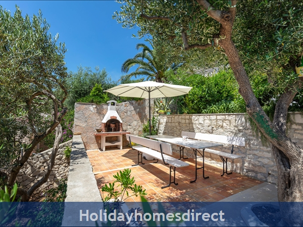 Holiday House Pupa, Sumartin, Brac Island – 3 Bedroom House: Image 5