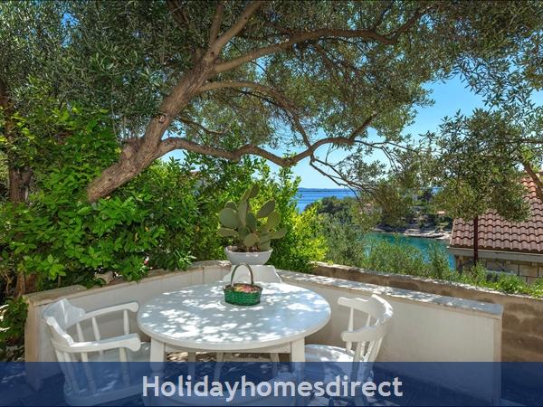 Holiday House Pupa, Sumartin, Brac Island – 3 Bedroom House: Image 6