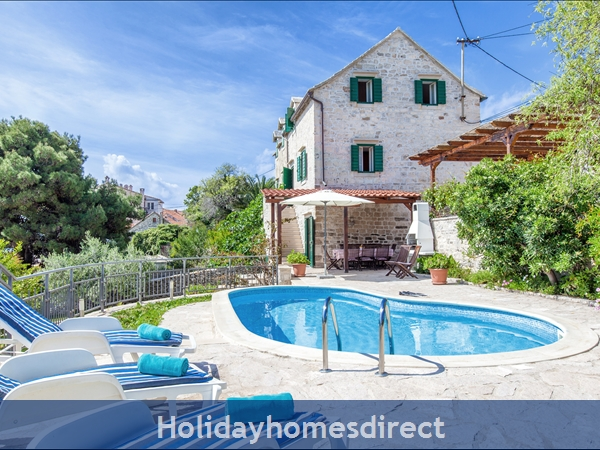 Villa Bonaca, Sumartin, Brac Island – 4 bedroom villa with swimming pool