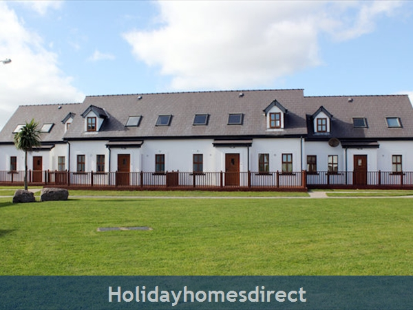 Hookless Holiday Homes: Image 3