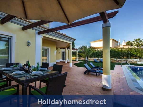 Casa Vila Sol – 4 Bedroom Holiday Villa In Vilamoura Algarve: Image 9