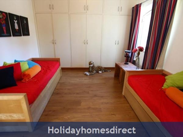 Villa Santa Eulalia – 6 Bedroom Holiday Villa In Albufeira Algarve: Image 18