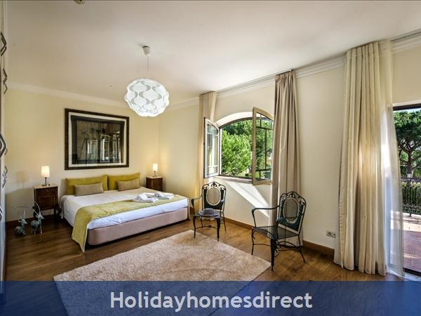 Villa Santa Eulalia – 6 Bedroom Holiday Villa In Albufeira Algarve: Image 16