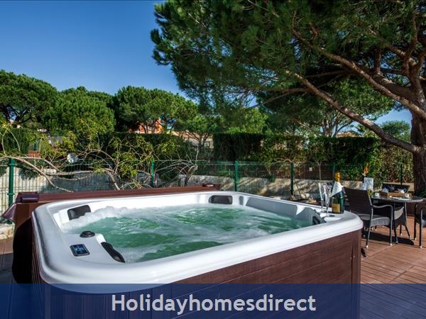 Villa Santa Eulalia – 6 Bedroom Holiday Villa In Albufeira Algarve: Image 4
