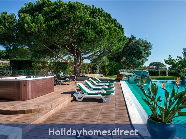 Villa Santa Eulalia – 6 Bedroom Holiday Villa In Albufeira Algarve: Image 3