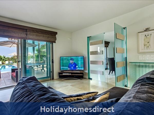 Villa Laguna – 6 Bedroom Holiday Villa In Vilamoura Algarve: Image 8