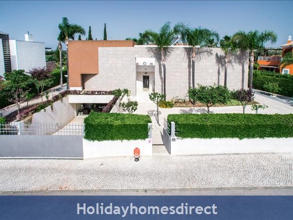 Villa Laguna – 6 Bedroom Holiday Villa In Vilamoura Algarve: Image 2