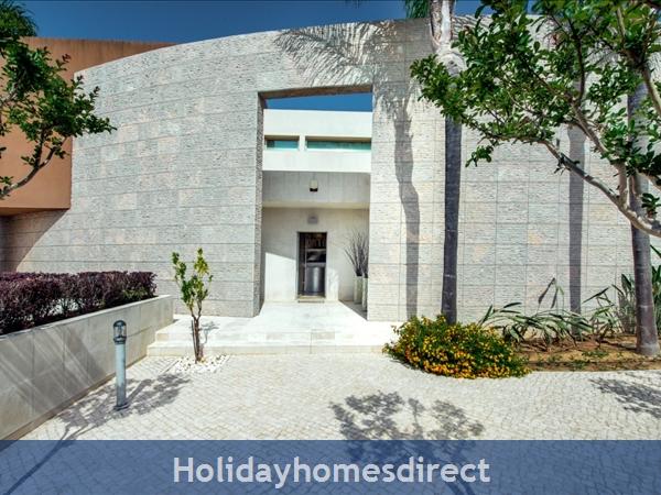 Villa Laguna – 6 Bedroom Holiday Villa In Vilamoura Algarve: Image 3