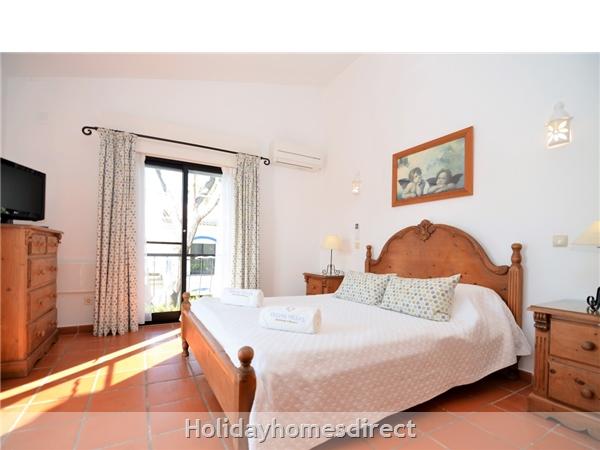 Villa Joy spare bedroom with double bed