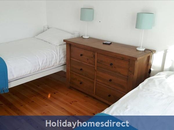 Suan Na Mara   Eircode V92ak03: Downstairs twin bedroom