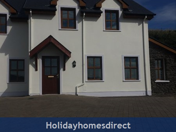 Holiday home to rent in Dingle town
