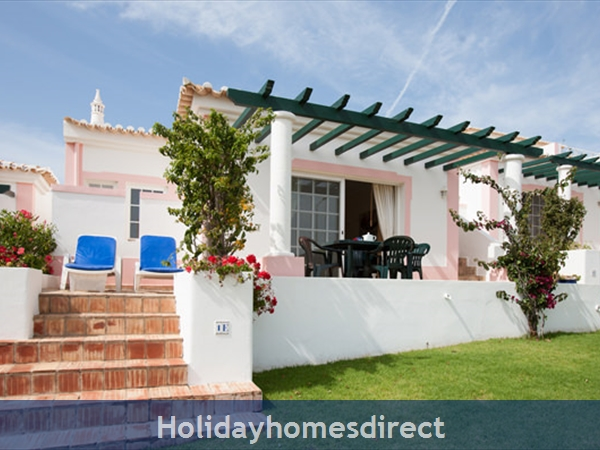 Quinta Do Rosal, Carvoeiro – Townhouses and 3/4 bedroom Villas With Pools