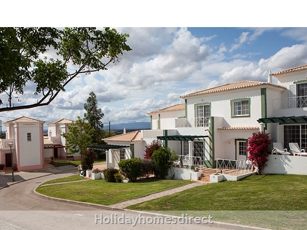 Quinta Do Rosal, Carvoeiro – Townhouses And 3/4 Bedroom Villas With Pools: Image 2