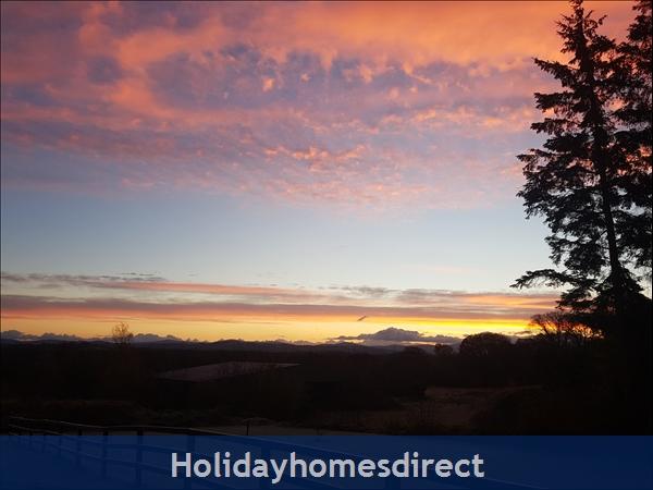 Beautiful Countryside House In Co Kildare: Sunrise
