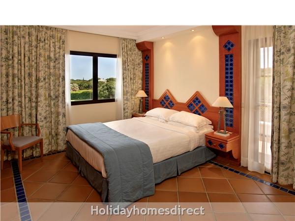 Pine Cliffs Golf Suites - 2 And 3 Bedroom Suites - Olhos De Agua Albufeira: Image 6