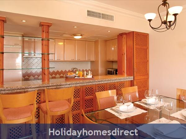 Pine Cliffs Golf Suites - 2 And 3 Bedroom Suites - Olhos De Agua Albufeira: Image 5