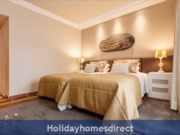 Pine Cliffs Suites - 2 And 3 Bedroom Luxury Suites- Olhos De Agua Albufeira: Image 7