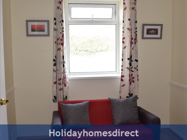 Beautiful Home Dingle,  Overlooking Dingle Bay: Image 6