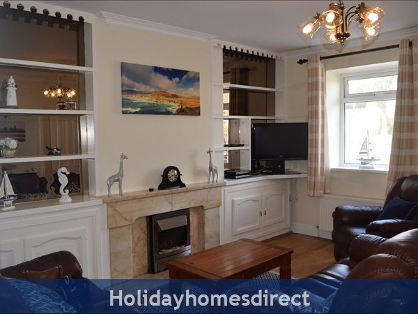Beautiful Home Dingle,  Overlooking Dingle Bay: Image 4